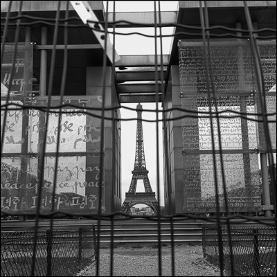 Paris_Tour_Eiffel_M-1